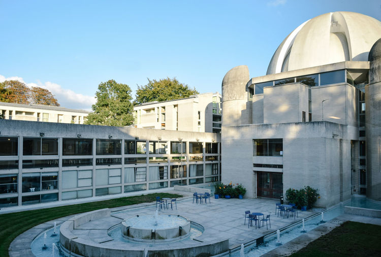 Murray Edwards College Cambridge Architecture Beautiful Building Exterior Built Structure Cambridge Campus Campus Life City Life College Day England Model No People Outdoors Postmodernism Sky Student University