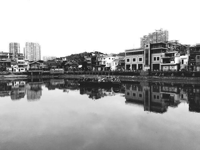 常去地 Reflection Standing Water Symmetry No People Clear Sky Building Exterior City Water The Graphic City