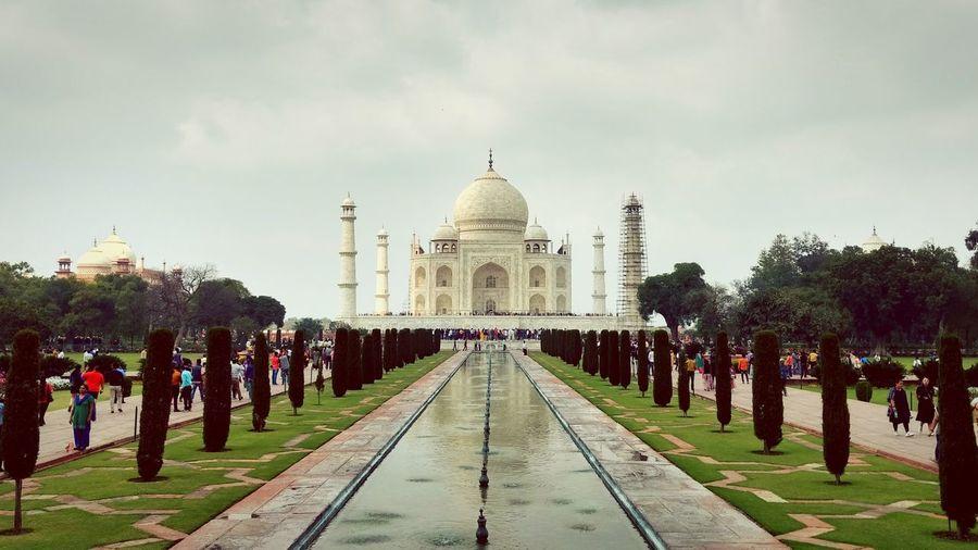 Taj Mahal Wonders Of The World Travel Destinations Architecture Ornamental Garden Sky People Muslim Shahjahan Sunny Day Historic Site