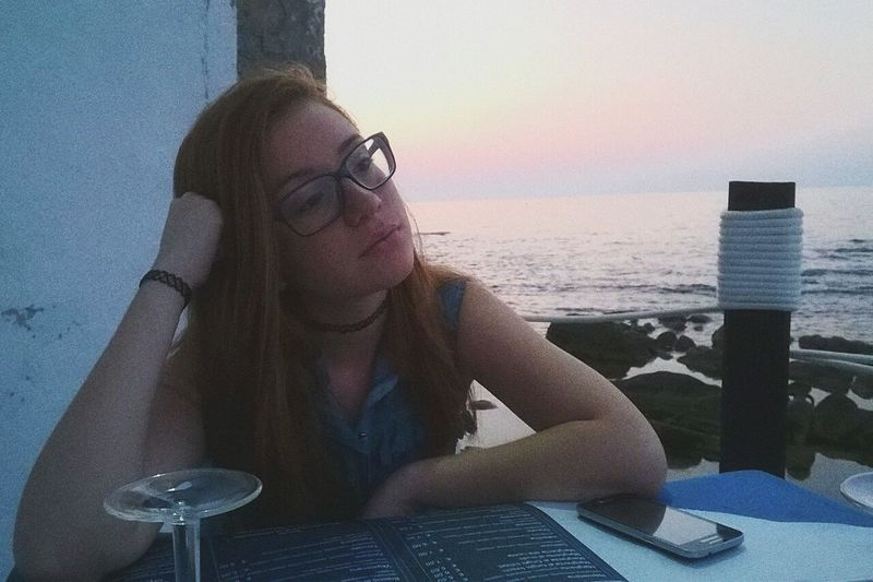 'Who's gonna be the first to say goodbye?' Hi! Red Hair Sea Sea And Sky Tramonto Don't Cry Don't Care That's Me Taking Photos Hello World