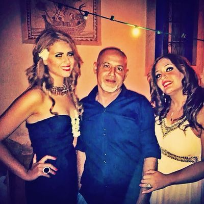 My dad abd my two Gorgeous cosins ? now that's a nice pic Familly Love