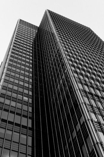 Canary Wharf Architecture Architecture Building Exterior Built Structure Canada Square Canary Wharf City Clear Sky Empty City Empty Places Floating Lotus Grid Hidden Gems  Isolation Leading Lines London Low Angle View Modern No People One Canada Square Skyscraper Tall Tower Urban Geometry Zombie Land