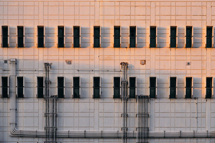 Factory Architecture Built Structure Building Exterior Window Backgrounds Pattern Industry City Construction Industry Wall - Building Feature Pipe Factory Factory Building Sunset Sunlight Detail Structures & Lines Industry Building Lines And Shapes 17.62° The Architect - 2019 EyeEm Awards