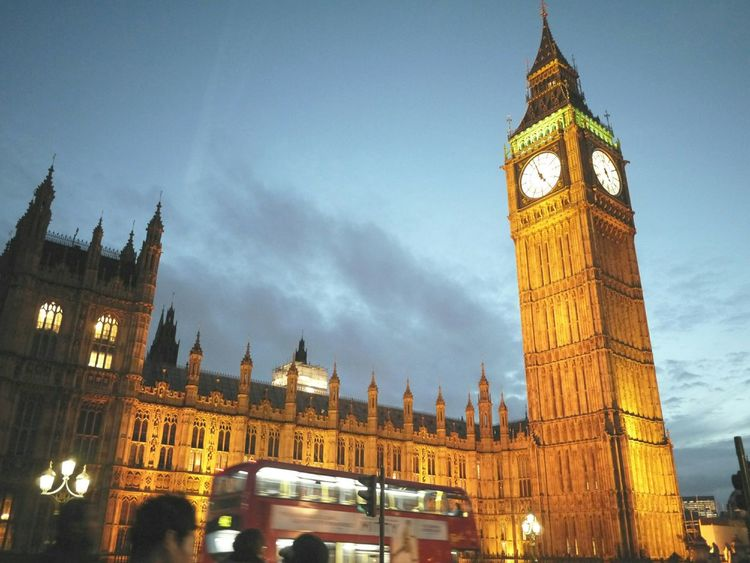 the beautiful Night View in London has been made by the Bigben Doubledeckerbus