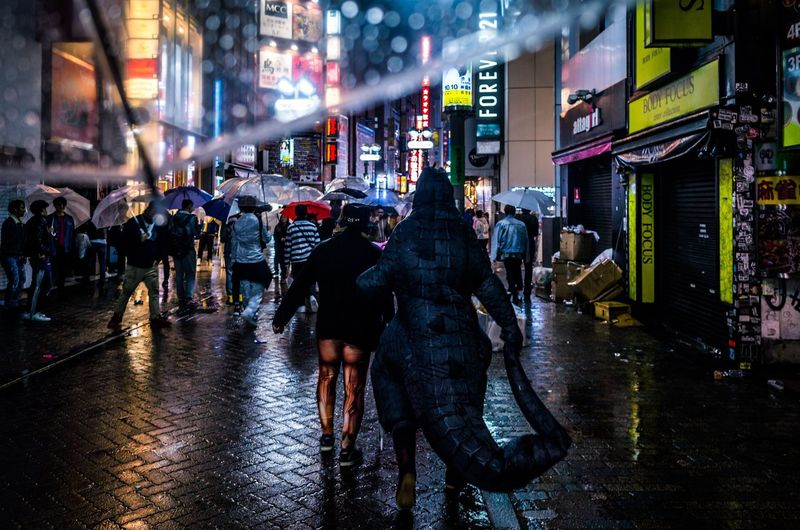 From My Umbrella ◀️☔️🚶🌃🇯🇵 Shibuya Halloween Night Battle Of The Cities Atmospheric Mood Rain Wet City Life Night Street Large Group Of People City Street Illuminated Walking Building Exterior Travel Destinations Architecture Outdoors Crowd Road Men Real People People Urban Exploration Enjoying Life EyeEm Gallery Rethink Things Stories From The City Inner Power End Plastic Pollution Streetwise Photography