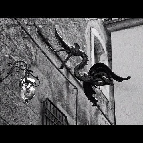 Is it a bird ? Sculpture Instadaily Monochrome Igersmonaco Travelphotography Instagramtagsdotcom Photooftheday Igersmasterclass Bnw Insta_shutter Picoftheday Noiretblanc Monoart Streetphotography TBT  Summer Instamood City Gang_family Beautiful Igers Blackandwhite Jj  Love Bw_lovers Italy Instagood Canon Instagramhub