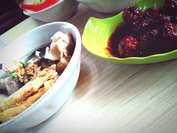 Taking Photos Bakso Midball Makanan Indonesia Kuliner Baksomalang Foodporn INDONESIA