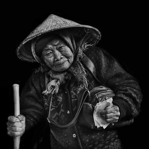 ... Streetphotography Streetphoto_bw Street Photography Streetphotography_bw EyeEm Best Shots - People + Portrait EyeEm Best Shots - Black + White EyeEm Best Shots EyeEm Bnw Portrait Of A Woman Portrait
