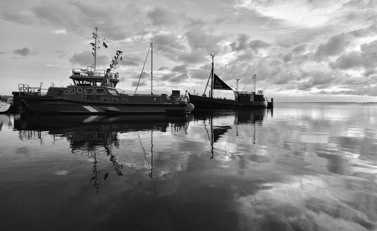 Morgenruhe an der Ostsee Monochrome Blackandwhite Sunrise Bluehour Outdoors Transportation Harbor Yacht Sailboat Fishing Boat Tranquil Scene No People Sea Waterfront Reflection Cloud - Sky Water EyeEmNewHere