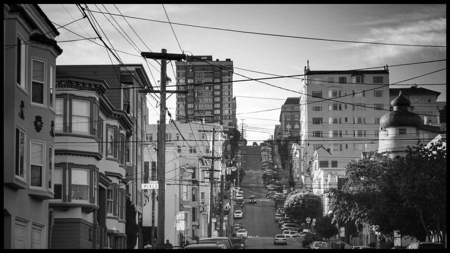 Morning lights on San Francisco. City Outdoors Day No People Architecture Sky First Eyeem Photo Fotografia Streetphoto_bw Travel Destinations Blackandwhite Photography San Francisco Travels Viaggintornoalmondo Streetscene United States California Sanfranciscocalifornia Ontheroad
