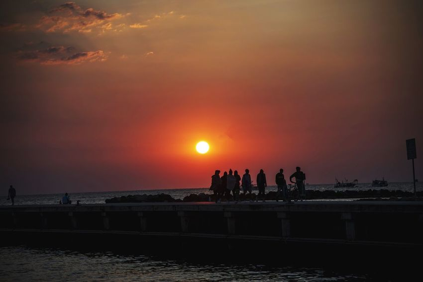 Sea Port 5:00am Sea Alba Am Streetphotography Sea Sunset Beach Horizon Over Water