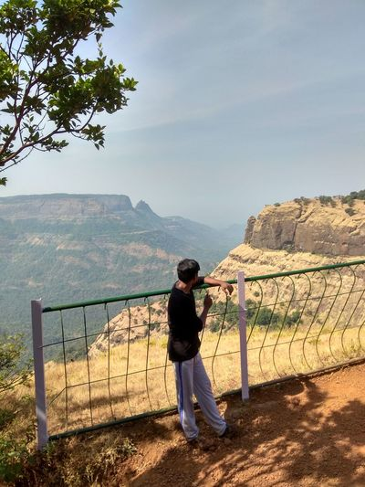 Mountain View Mountains And Sky Echo Point Lookout Topslip Hillview Matheran Hills Matheran 50 Ways Of Seeing: Gratitude Mountain Full Length Tree Standing Men Sky Barbed Wire Security Chainlink Love Lock Mountain Range Razor Wire Lock Security Camera Gate