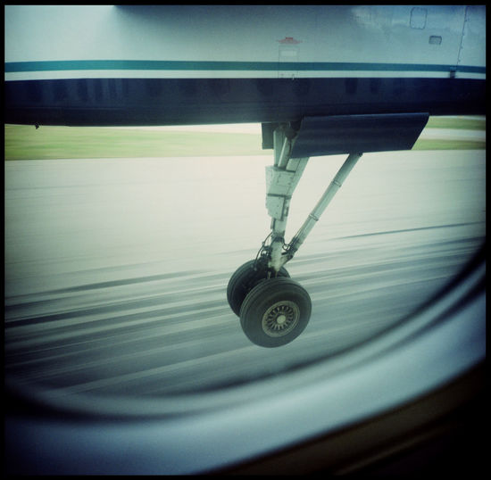 Touch Down with a smal plane Analogue Photography Canada Dramatic Flight Fast Flight Fast Landing Flight Flugzeug Flugzeugreifen Flying Of America Iron Bird Landing Landing Stripe Lomography Medium Format No People North America Perfect Flight Plane Plane And Sky Plane Tyre Plane Window Planespotting Small Plane Technology And Nature Xpro The Photojournalist - 2017 EyeEm Awards