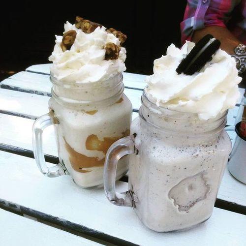 Basically my happy place 😍🙌🏻🍩🍦My_kind_of_food Foodie Oreo Peanutbutter Cookies_n_cream Icecream Cream Cream Cream Breakfast Pienk_huis Amazing Food Foodlover