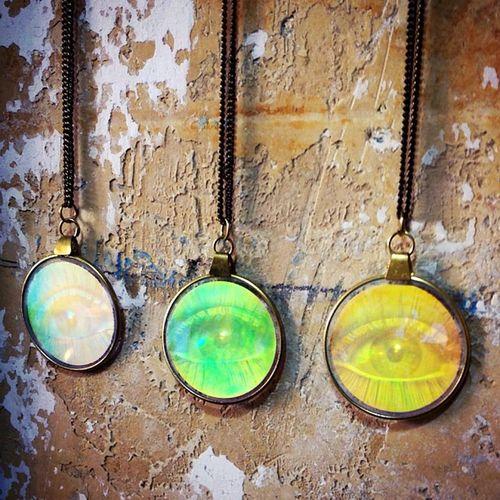 ? ThirdEye Hologram necklace jetzt wieder im Shop ? FKIDS ottenser hauptstr. 37 Hamburg altona