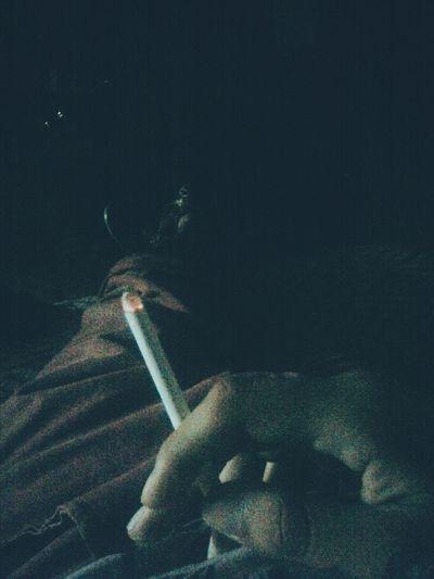 A veces los mejores amigos son un cigarrillo y la soledad Cigarette  Cigarettes Smoke Smoking Loneliness Iprefertobealone