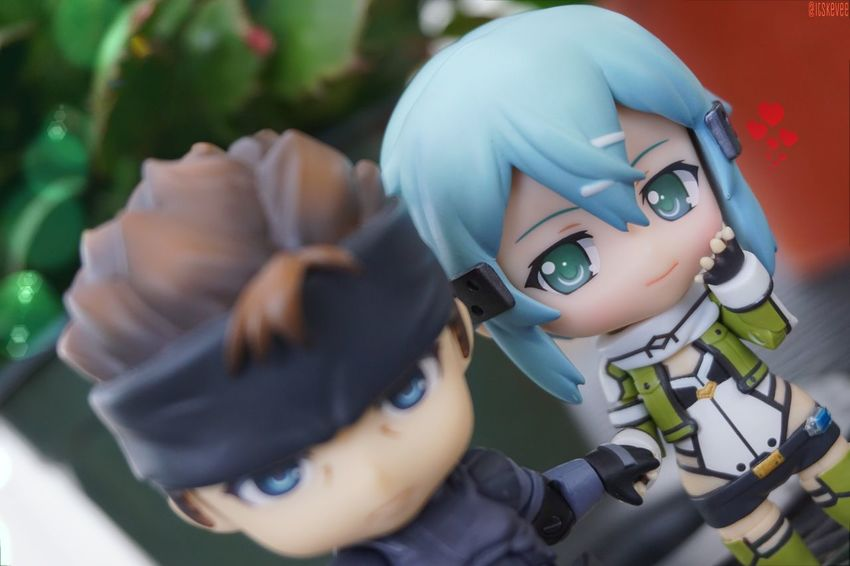 Sinon and Solid Snake :3 If they ever make a crossover... I'd make these my OTP xD Solid Snake Metal Gear Solid Sword Art Online 2 Taking Photos Love Couple Otp Sinon ねんどろいど Nendoroid Toyphotography Toysaremydrug Toycrewbuddies Toys Outdoors Outdoor Photography