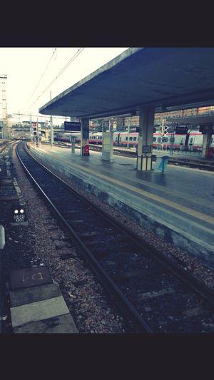 'e i treni per sconfiggere le distanze.'