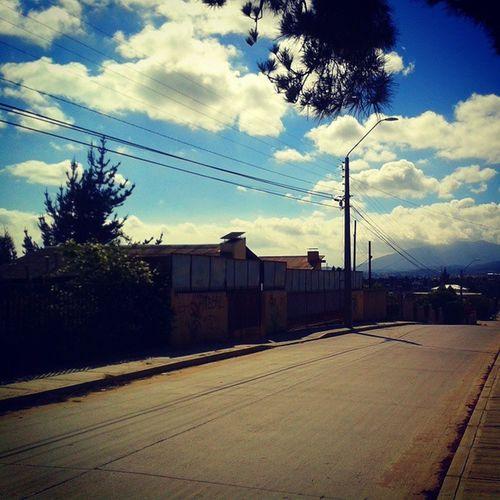 Quilpue Quilpuevalparaiso Paisaje Nubes Sol Sunny Street Calle Cielo Heaven Naturaleza Nature Paz Peace Tranquilidad Calor Primavera Spring Amor Love Arboles Pintareelcieloparati