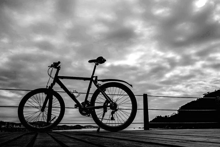 On Your Bike HiFiPhotographia HIFiClaudioVRocha Blackandwhitephotography Blancoynegro Noiretblanc Blackandwhite Pretoebranco 39 Streetphotography