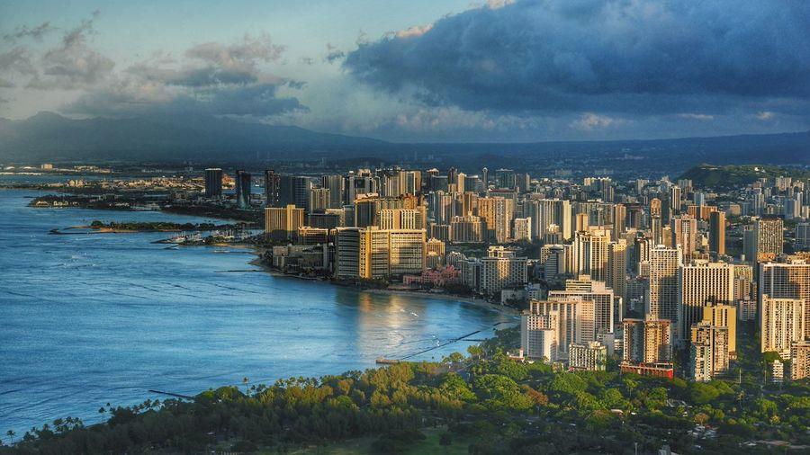 Honolulu  Morning 🌴🐋💙