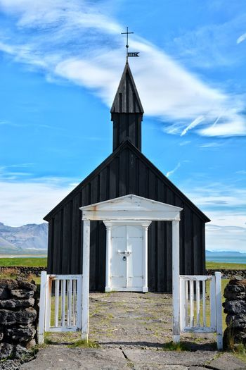 Architecture Built Structure Sky Religion Cloud - Sky Building Exterior Wood - Material No People Spirituality Outdoors Place Of Worship Day CrossField EyeEm Best Shots Architecture Beauty In Nature Rural Scene Iceland Full Length Fresh on Market 2017 Church Nordic Architecture Nordic Christianity