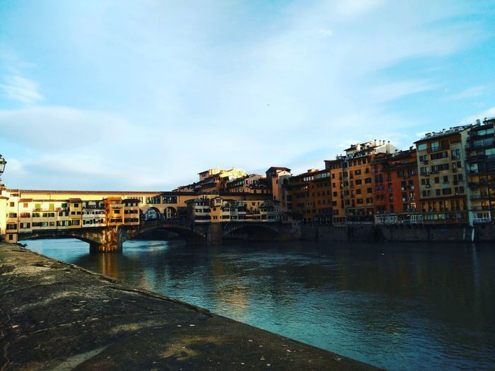 Florence Florencia Firenze Toscana Toscany Italy Italia Puente Bridge Ponte Vecchio Sky City River Water Fiume Arno Arno  Blue Architecture Day Residential District Clouds