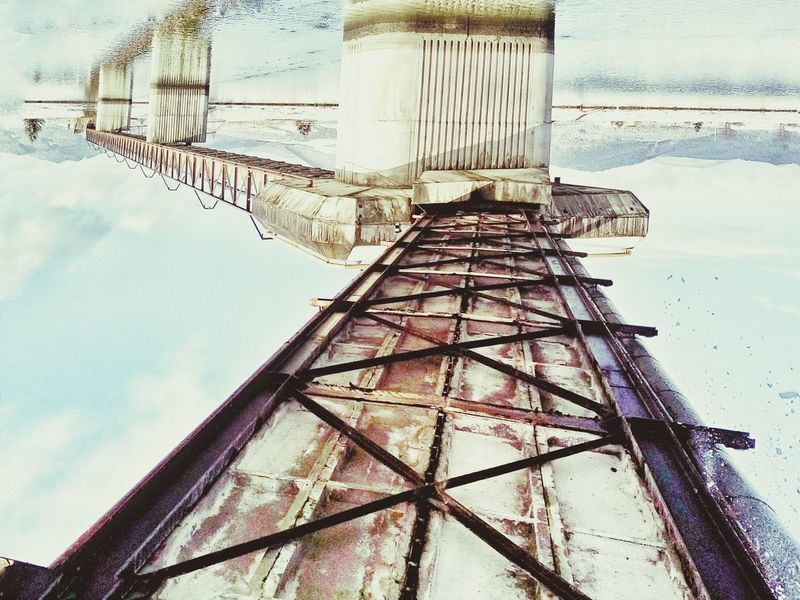 Under The Bridge Upside Down Geometric Shapes Urban Geometry Perspective Steel Structure  Concrete Wall Rusty Winter Pastel Shades Pastel Power