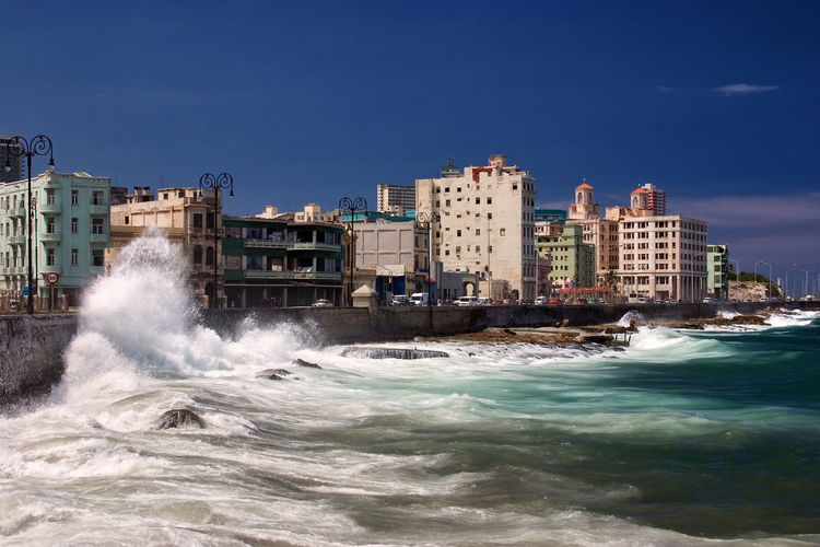 Waves breaking at Malecón in Havanna Cuba El Malecón, La Havana Havana KuBa La Habana Malecon Storm Architecture Breaking Caribbean City Clear Sky Coast Havanna Nature No People Outdoors Power In Nature Sea Sky Stormy Town Water Waterfront Wave This Is Latin America