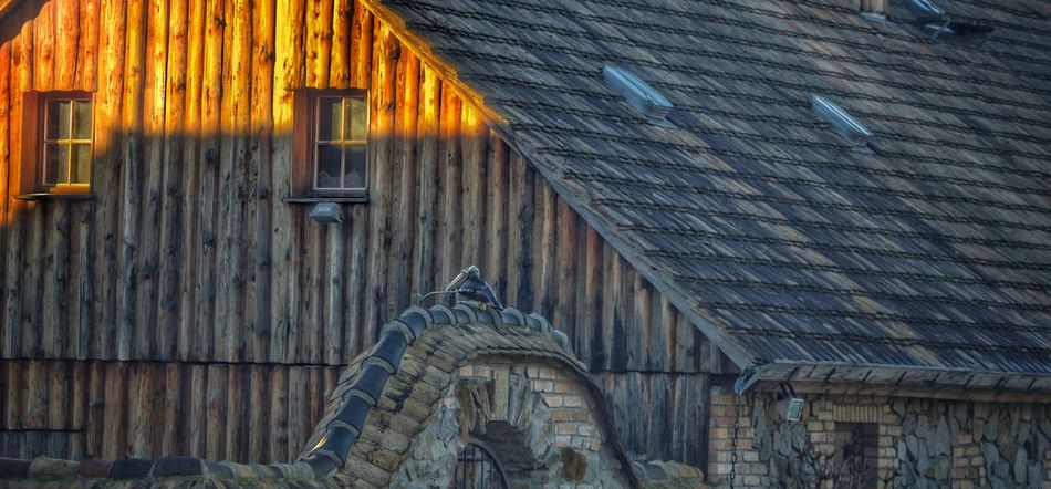 Built Structure Architecture Building Exterior House No People Roof Outdoors Corrugated Iron Corrugated Day Germany🇩🇪 My Picture 2017 Wood Textured  Have A Nice Day♥ First Eyeem Photo Krabat 400mm Lens Sonnenlicht Old Buildings Zeitreise Architecture Krabat Mühle
