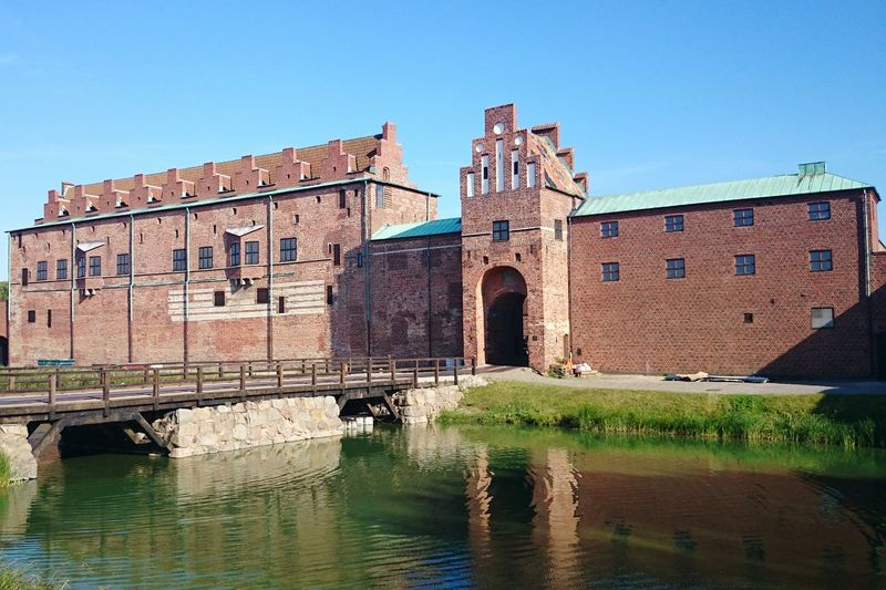 Water City Clear Sky Reflection Sky Architecture Building Exterior Built Structure King - Royal Person Historic Castle Historic Building