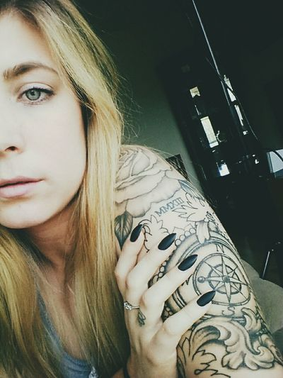 Taking Photos Girl Selfie Tattoo Inked Girlswithtattoos Nails Stilettonails Girls With Tattoos Girlswithink