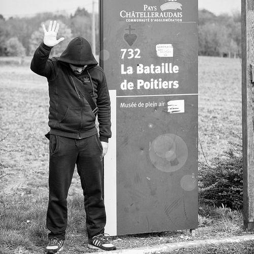 Site de la bataille de 732 Poitiers - On vous passe le Salaam la Paix