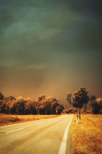 Before the thunderstorm Taking Photos On The Road Street Mystical Atmosphere Home Is Where The Art Is Landscape_photography A Photo Like A Painting Austria Capture The Moment Showcase August The Week On Eyem Landscape Colour Of Life Cloud - Sky EyeEm Best Edits Global Photographer-Collection Melancholic Landscapes On The Way