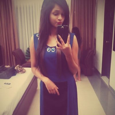 Yeehhh!! ThanQ mumma for dis beautiful Gown ^_^ I Loved It <3