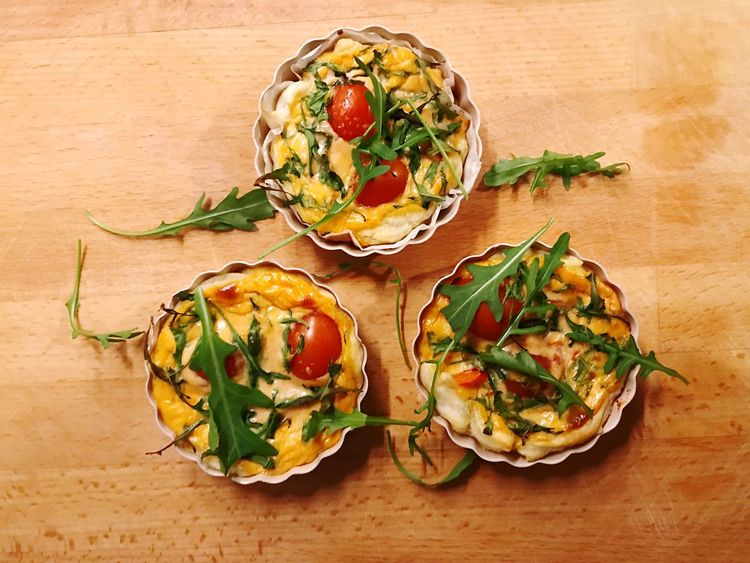 Quiche Quiche Food And Drink Food Healthy Eating Freshness Wellbeing Herb Ready-to-eat Vegetable Fruit No People High Angle View Table Wood - Material Plate Green Still Life Indoors  Plant Garnish Tomato