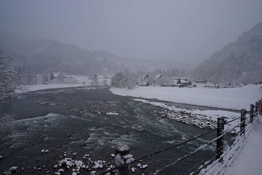 白川鄉 Winter River View Japan