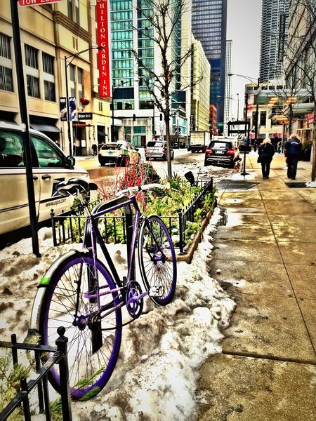 Better to walk Chicago Loop Downtown Downtown Chicago Bicycle Streetphotography Snow ❄ Cycling