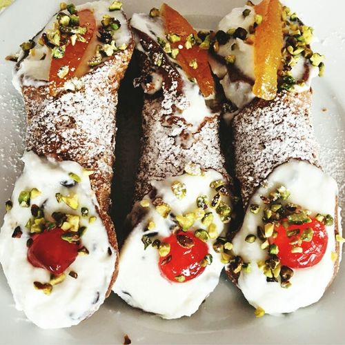 Food cake Food And Drink Cake♥ Cake Time Cakestagram Cakes, Sweets, Love It Cake Decorating Cakelovers Cannoli Siciliani Cannoli Con Crema Good