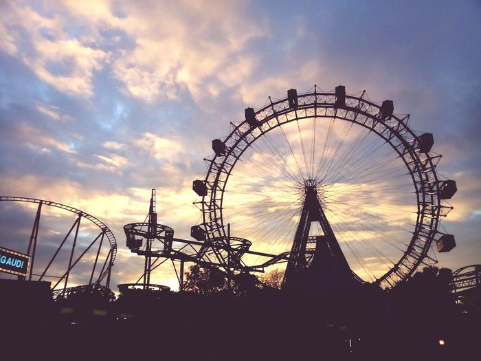 Sonnenuntergang Wiener Riesenrad Wiener Prater Abendsonne Abendstimmung Sehenswürdigkeit Wolken Clouds