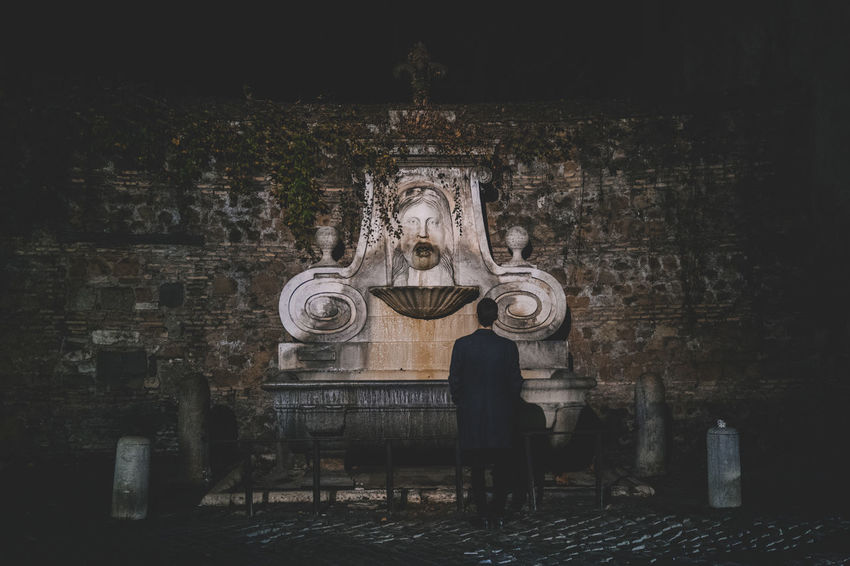 Fountain Night Photography Roma Rome Architecture Built Structure Day History Night One Man Only Outdoors Sculpture Statue