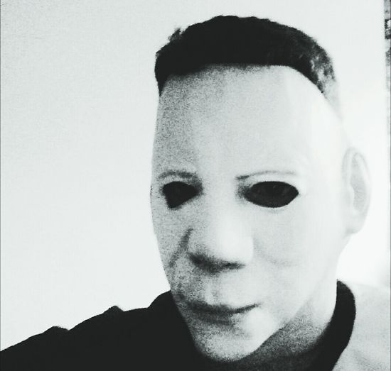 Casual Friday😂 Halloween_Collection Headshot Person Human Face Myers Michealmyers Friday CasualSelfie CasualSelfie Horrorlover Horror October Black And White Black And White Photography Black&white Halloween Horrors Halloween2016 Halloween Costumes Halloween🎃 Halloweenfun