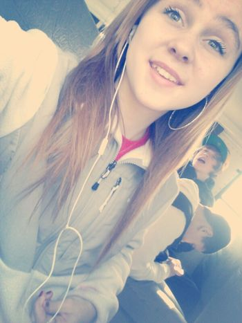 Brian in the background XDD #selfiee