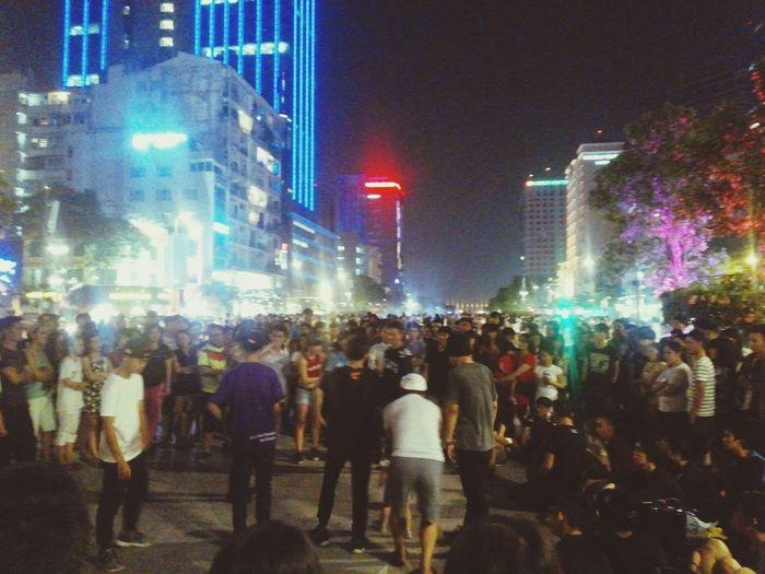 NguyenHue Street Dancing Streetdance Saigon Djandmcs