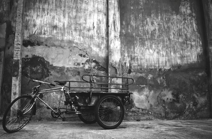 Transportation Land Vehicle No People Mode Of Transport Blackandwhite Black And White Black & White Monochrome Textured  Threewheel Bicycle Old Retro