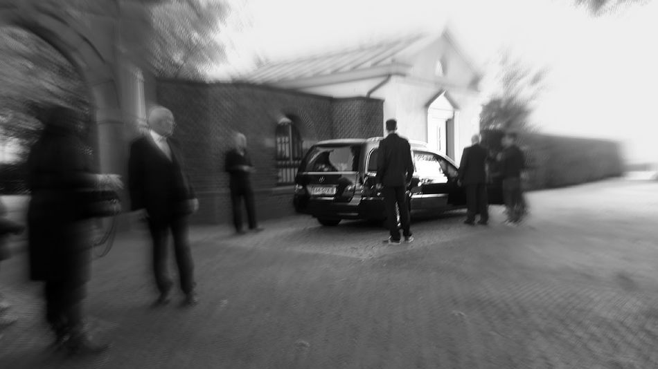 https://youtu.be/R-3CxYV3BqY At The Funeral People And Places Focus On Background Hearse Death Of A Friend The Color Of Business Monochrome Photography Uniqueness Miles Away