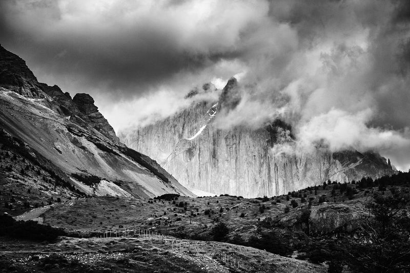 🎶 Misty Mountain Hop 🎶 Mountain Blackandwhite EyeEm Best Shots EyeEm Nature Lover Blackandwhite Photography Black & White TorresDelPaine Non-urban Scene Beauty In Nature Cloud - Sky Nature Sky Mountain Range Rocky Mountains Stream Physical Geography Outdoors Remote Geology Flowing Water Majestic Dramatic Landscape Valley