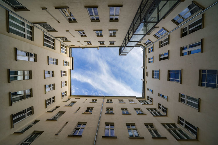 Look up Friedrichshain Lookup Lookingup Friedrichshain Berlin Germany Deutschland Architecture City Apartment Window Residential Building Façade Skyscraper Sky Architecture Building Exterior Cloud - Sky The Architect - 2018 EyeEm Awards