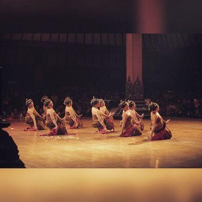 JÉNGKÉNG Oyikk Worlddanceday Solovely Instadaily indonesia dance dancers