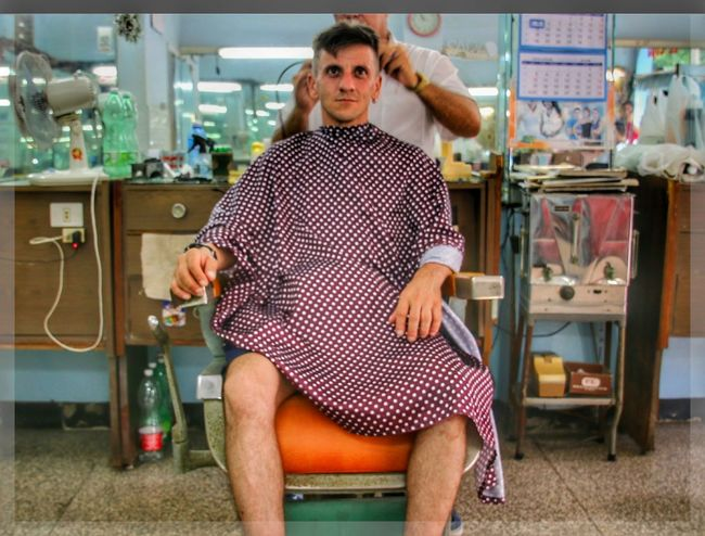 Cameraontripod Havanna, Cuba Self-portrait Self Portrait Hairdresser Hairstylist Haircut Hairstyle Looking At Camera Only Men One Man Only Adult One Person Adults Only Front View Standing Portrait People Indoors  Mature Adult Day Sitting The Portraitist - 2017 EyeEm Awards